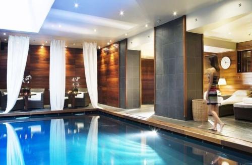 spa-vendome-asian-lounge-piscine