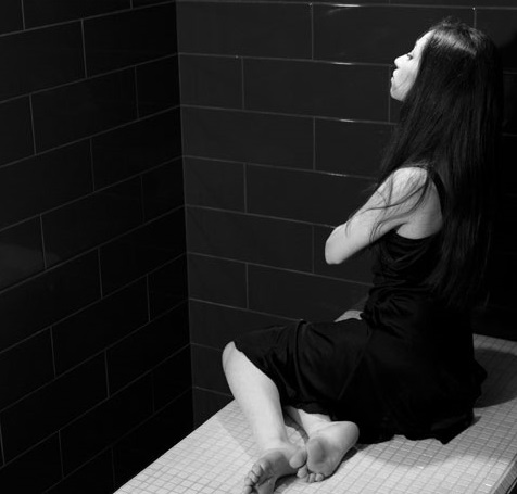 spa-noir-femme